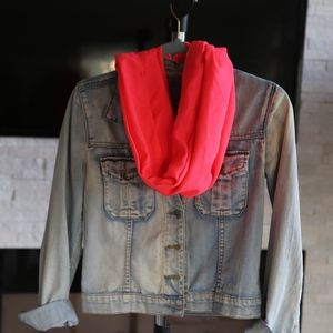 🧣 Summer Living Coral Scarf